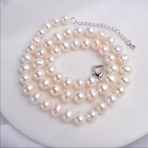 Natural Freshwater 8-9mm Pearl Necklace
